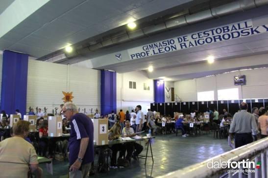 Las elecciones se desarrollaron con normalidad y fueron record de participación (foto via dalefortin.com.ar)