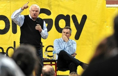 Niembro deja su lugar de lobby para blanquear su apoyo partidario
